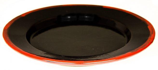 Platos de cerámica negros