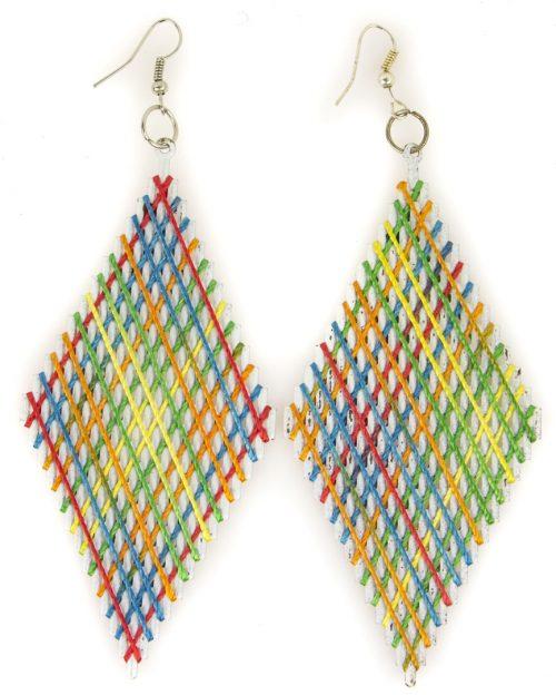 Pendientes de rombos con cordón multicolor