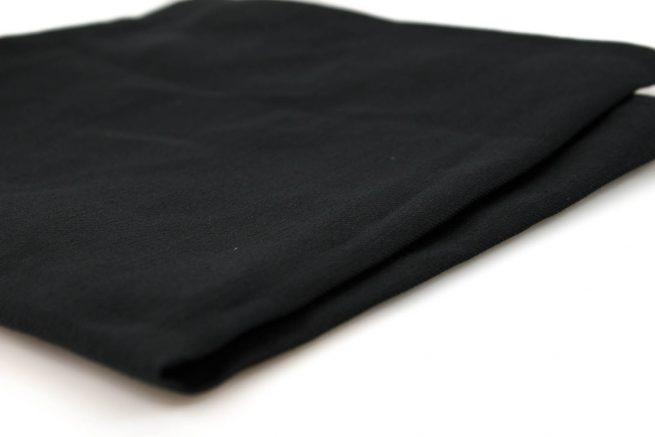 Camino de mesa y dos servilletas