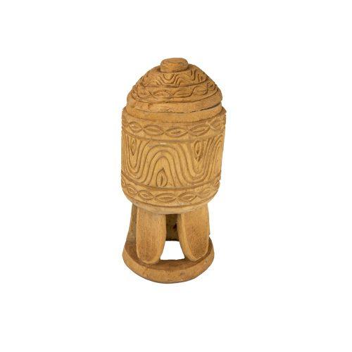 Cofre Bamileke tallado en madera