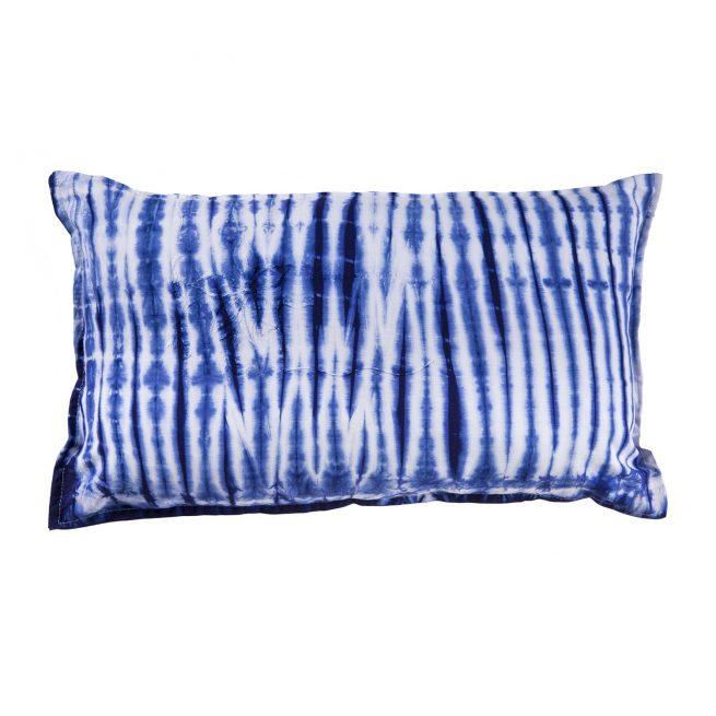 Cojín Brakina azul y blanco 30x50